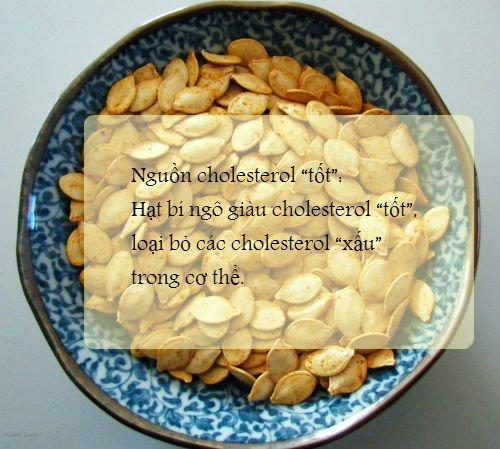 Hạt bí đỏ là nguồn cholesterol tốt