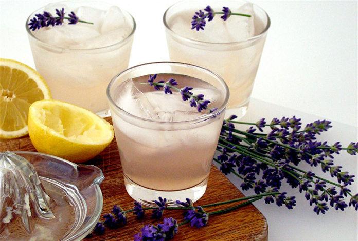 nước chanh hoa oải hương chống đau đầu lo âu
