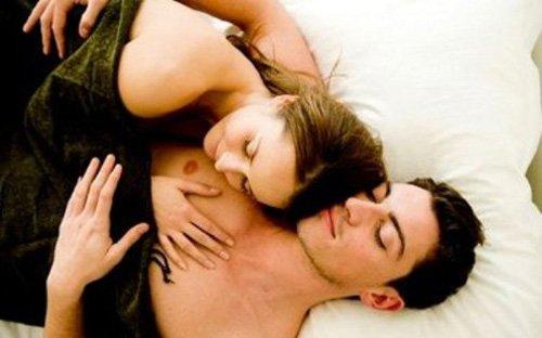 ngủ khỏa thân