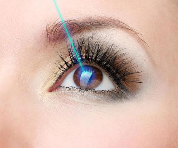 Sau phẫu thuậtphẫu thuật mắt cận cần lưu ý